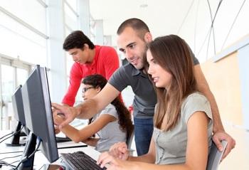 Unterricht am Computer in der Berufsausbildung