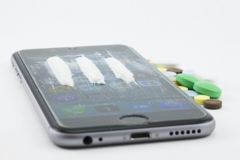 Drogen auf einem Smartphone