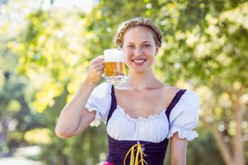 Frau auf dem Oktoberfest
