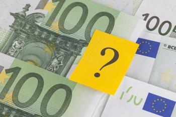 100 Euro Scheine und Fragezeichen