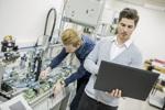 Siemens-Ingenieure bei der Arbeit