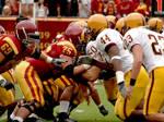 Beim American Football stehen sich die Offense und die Defense zweier Mannschaften gegenüber.
