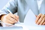 Arbeitnehmer schreibt Dokument