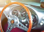 Lenkrad eines alten Porsche