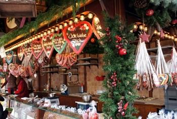 Arbeiten auf dem Weihnachtsmarkt zwischen Glühwein und Jutesack